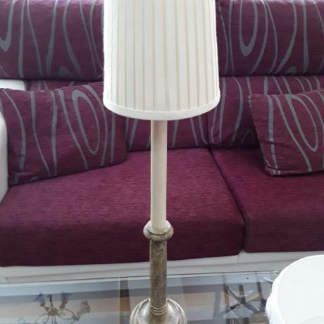(87) (CK09087) Table Lamp.62cm High.10.00 euros.