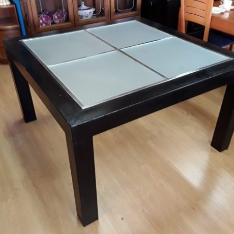 (4) (CK23004) Square Metal Framed Glass Top Patio Table.130cm x 130cm,75cm.125.00 euros.